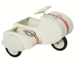 White scooter w/sidecar - metal