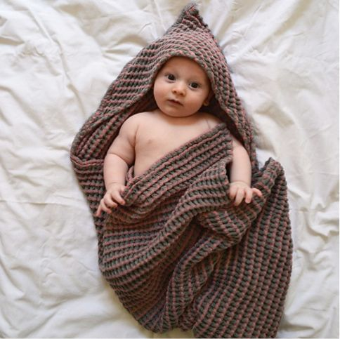 """Hooded towel"" stormy rose"