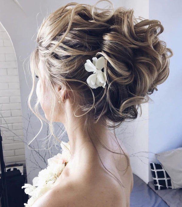 Hairstyles Made For A Breezy Beach Wedding