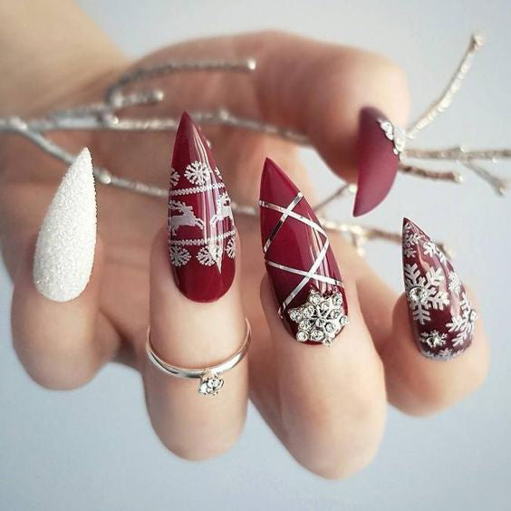 50+ Christmas Red Stiletto Nail Art Ideas - Easy Designs for Holiday Nails