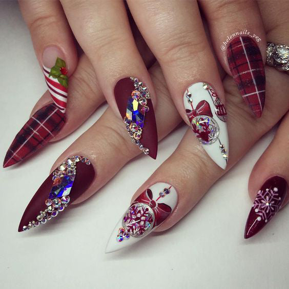 50+ Christmas Red Stiletto Nail Art Ideas