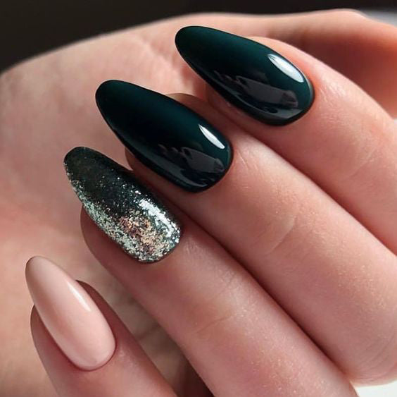 36+ Pretty Trending Fall Nails; coffin nails; Fall gel nail; short Green nails; Green cute nails; Green matte nails; Green glitter nails.