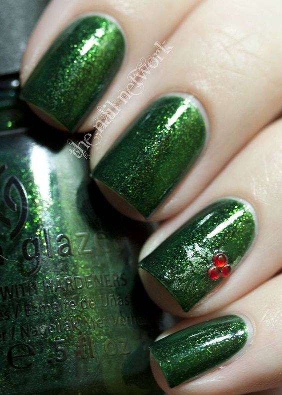 Christmas Tree Nails Art; Christmas nails; cute Christmas nails; Christmas coffin nails; easy Christmas nails; Christmas nails designs;