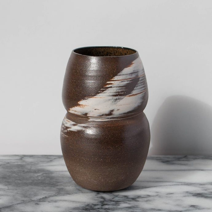 Agate Black Vessel with White