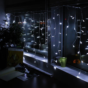 Solar powered curtains Light 5M/16.4FTx0.6M/2FT 150 LED, 8 modes 2400mah high capacity battery starry fairy lights for indoor/outdoor decorations fair Lighting for outdoor Garden, Patio, Party, Waterproof white color