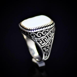 925 Sterling Silver Ring Embellished With A Big Mother Of Pearl