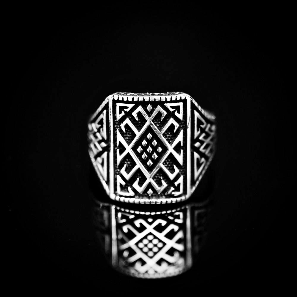 Anatolian Kilim Patterned Silver Ring Front