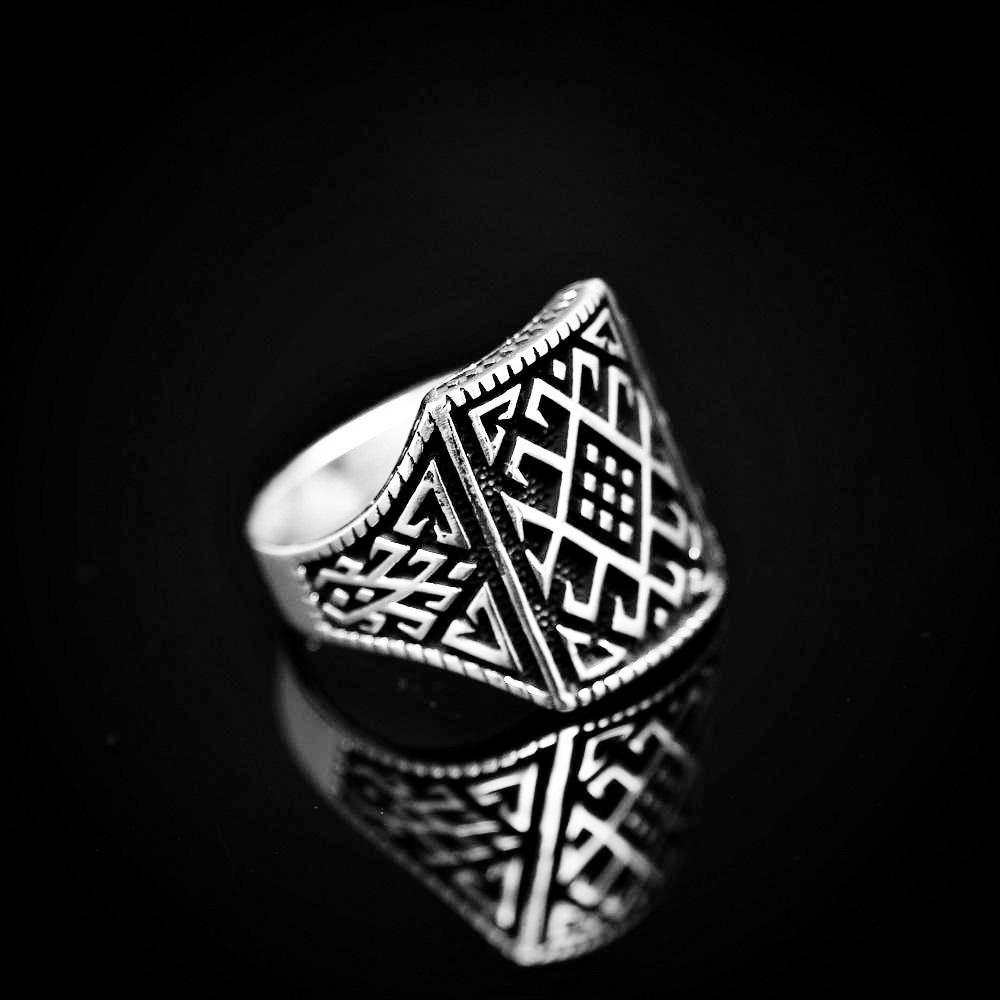Anatolian Kilim Patterned Silver Ring Left