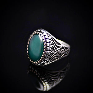 Artisanal Silver Ring Adorned With Green Agate Stone Right