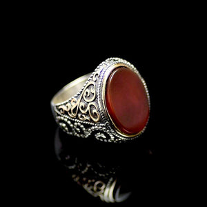 Attractive Silver Ring Adorned With Agate Stone Left