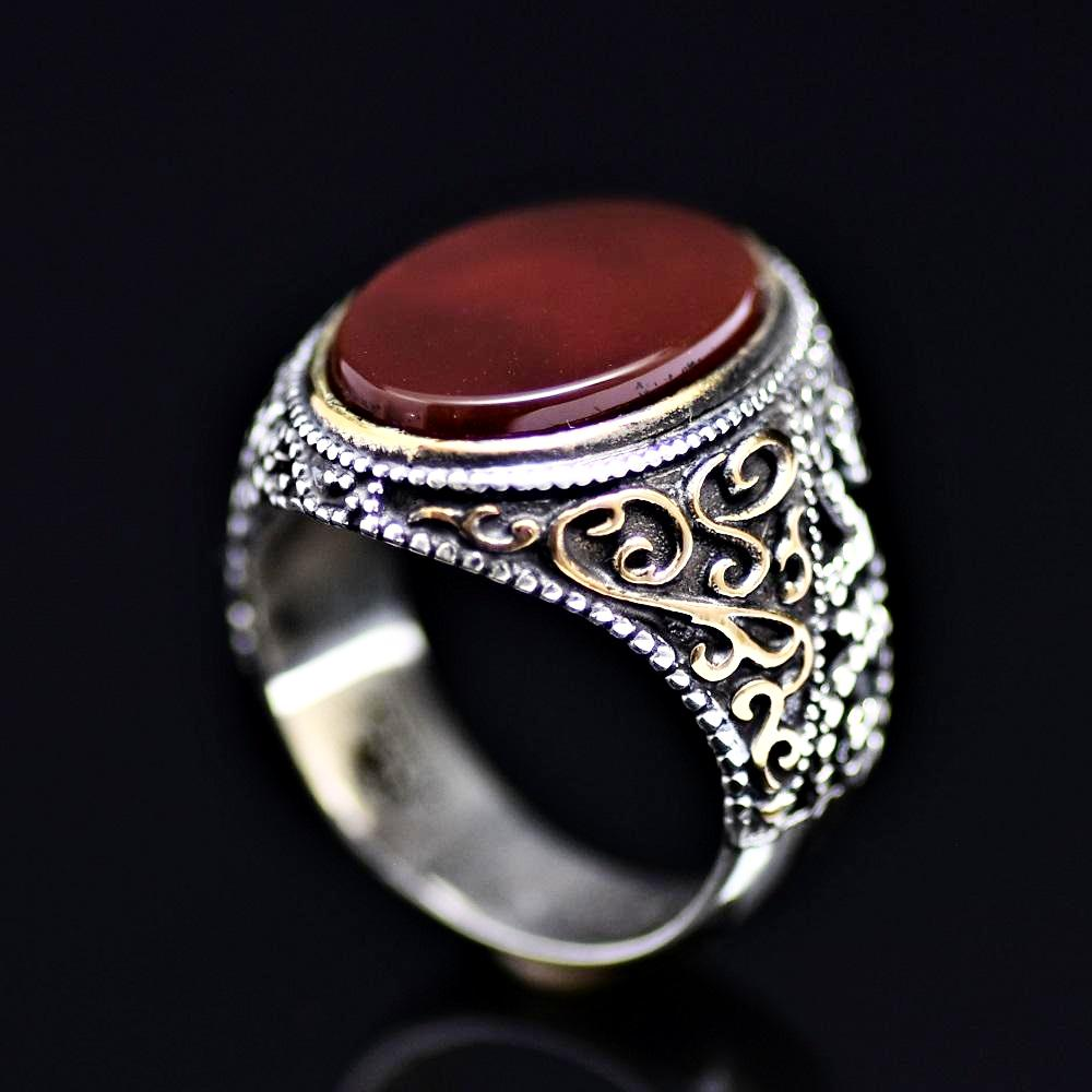 Attractive Silver Ring Adorned With Agate Stone