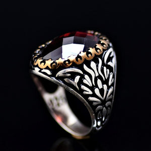 Beautiful Sterling Silver Ring Adorned With Garnet Stone
