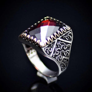Beautiful Turkish Silver Ring Embellished With Garnet Stone