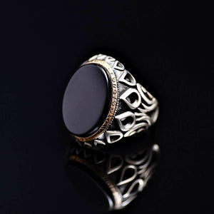 Black Onyx Silver Ring Adorned With Engraved Drops And Tulips Right