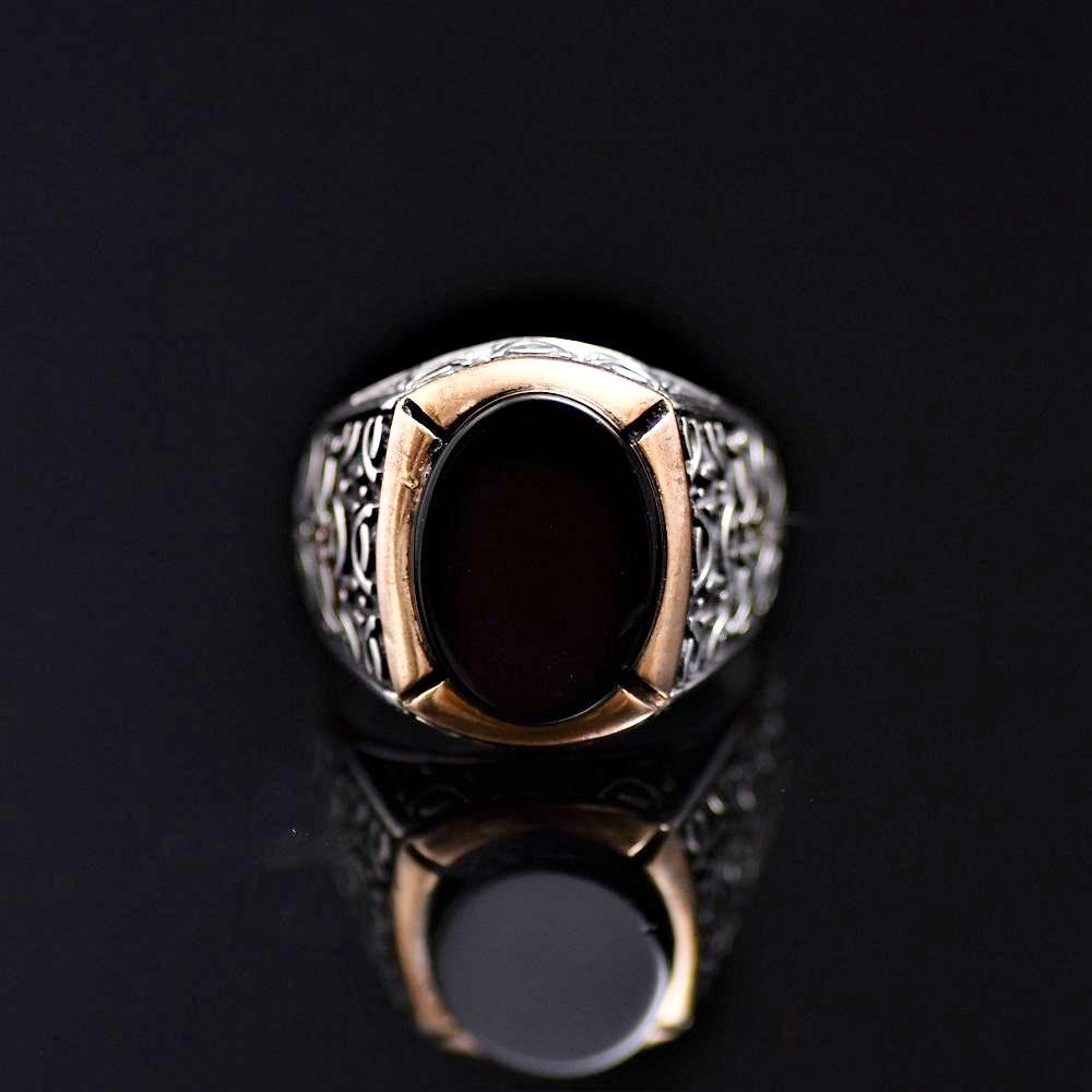 Black Onyx Stone Silver Ring Adorned With Engraved Geometrical Shapes Front