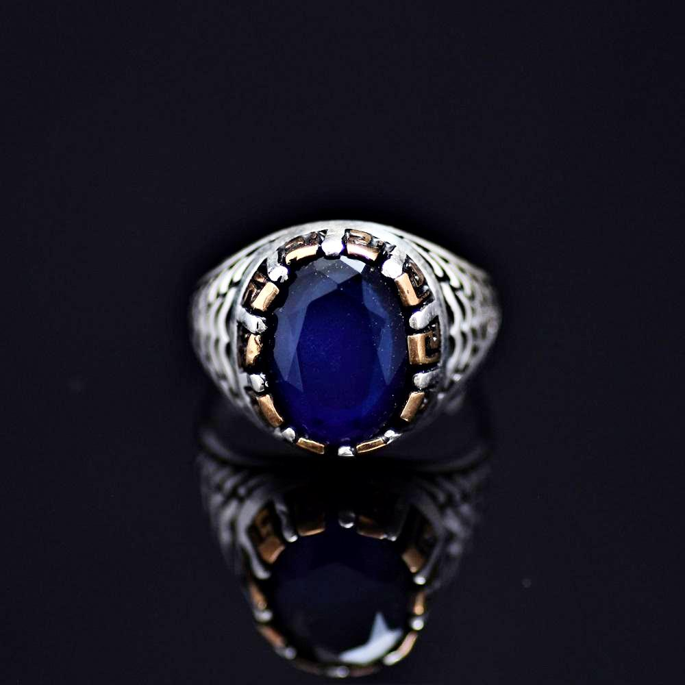 Elegant 925 Sterling Silver Ring Adorned With Lab Created Sapphire Front