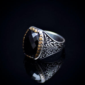 Elegant Silver Ring With Floral Engraved Details And Black Onyx Stone Right