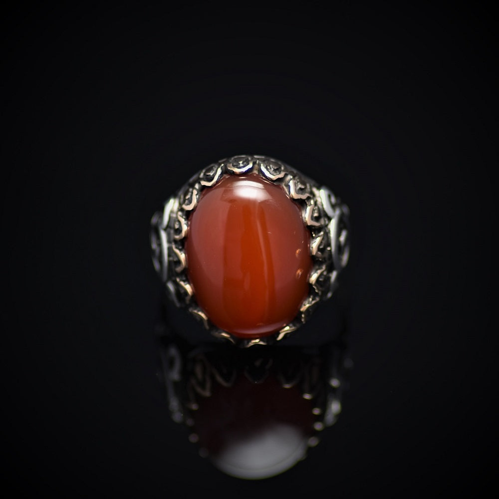 Exceptional Silver Ring Embellished With Carnelian Stone Front