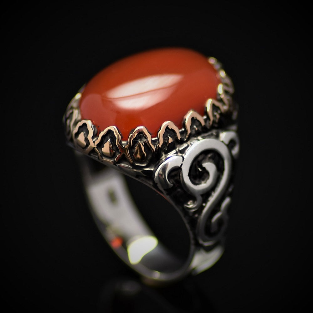Exceptional Silver Ring Embellished With Carnelian Stone
