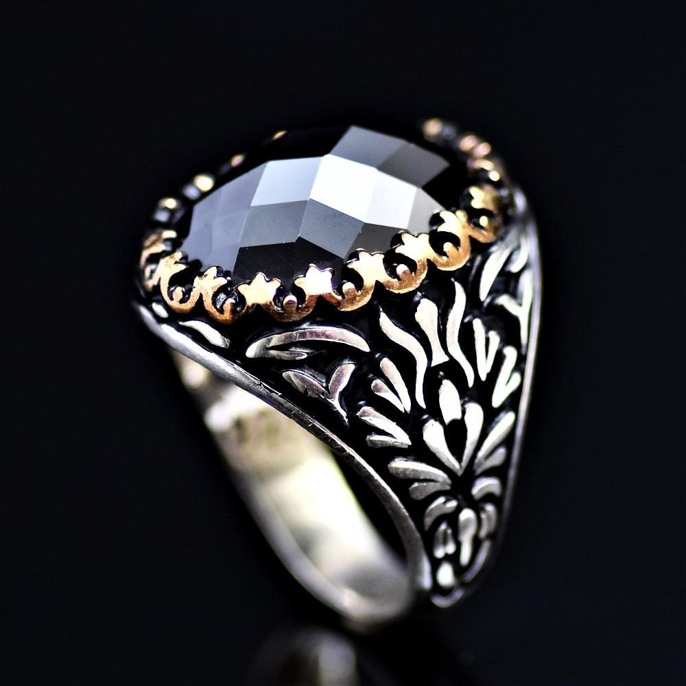 Exciting Silver Ring Adorned With Facet Cut Black Onyx Stone