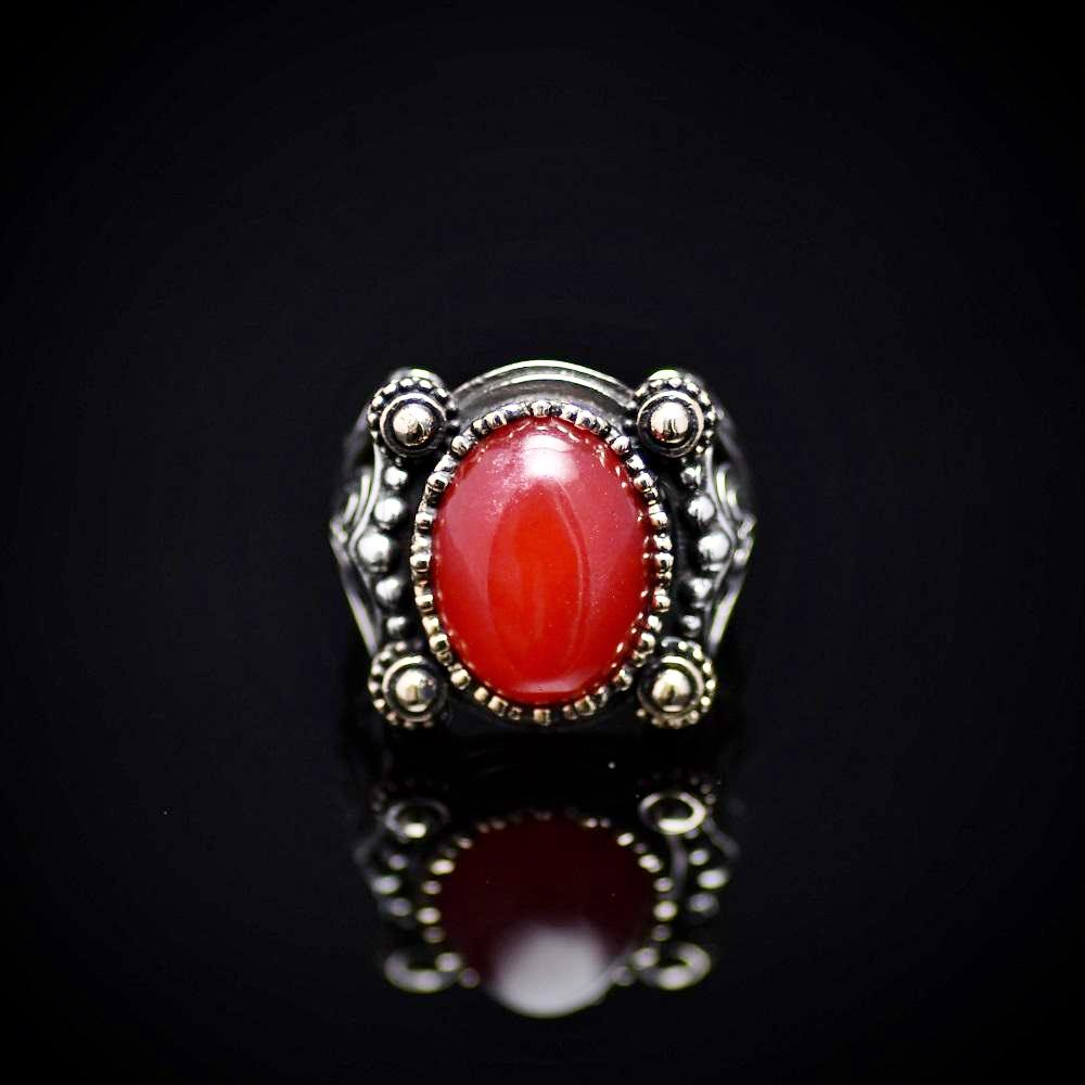 Extraordinary Design Silver Ring Adorned With Carnelian Stone Front