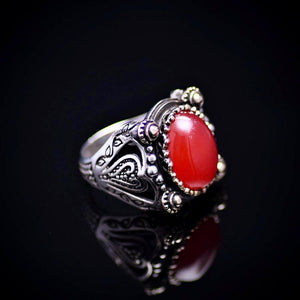 Extraordinary Design Silver Ring Adorned With Carnelian Stone Left