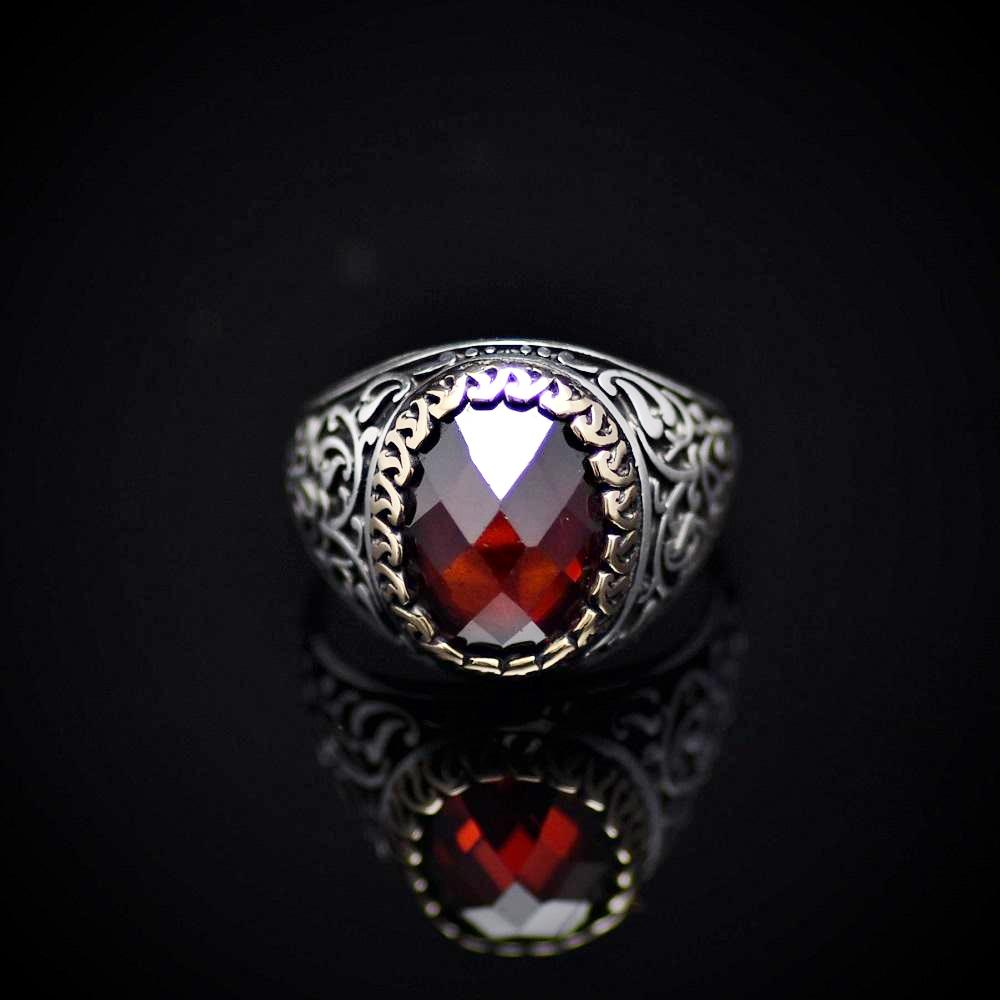 Finely Detailed Handmade Silver Ring With Garnet Stone Front