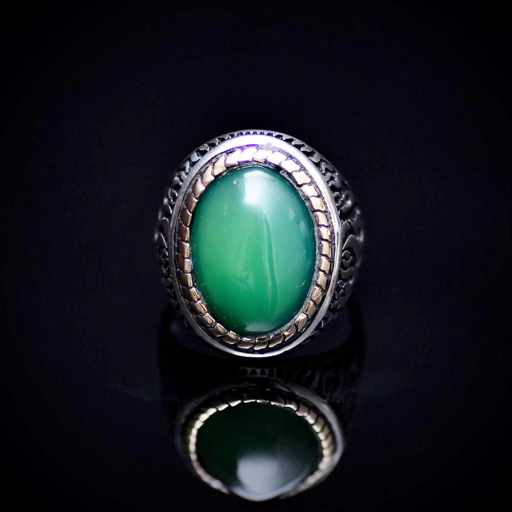 Flame Motifs Engraved Silver Ring With Green Agate Stone Front