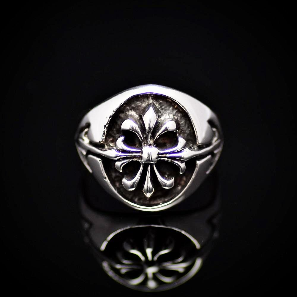 Fleur De Lis Patterned 925 Sterling Silver Ring Front