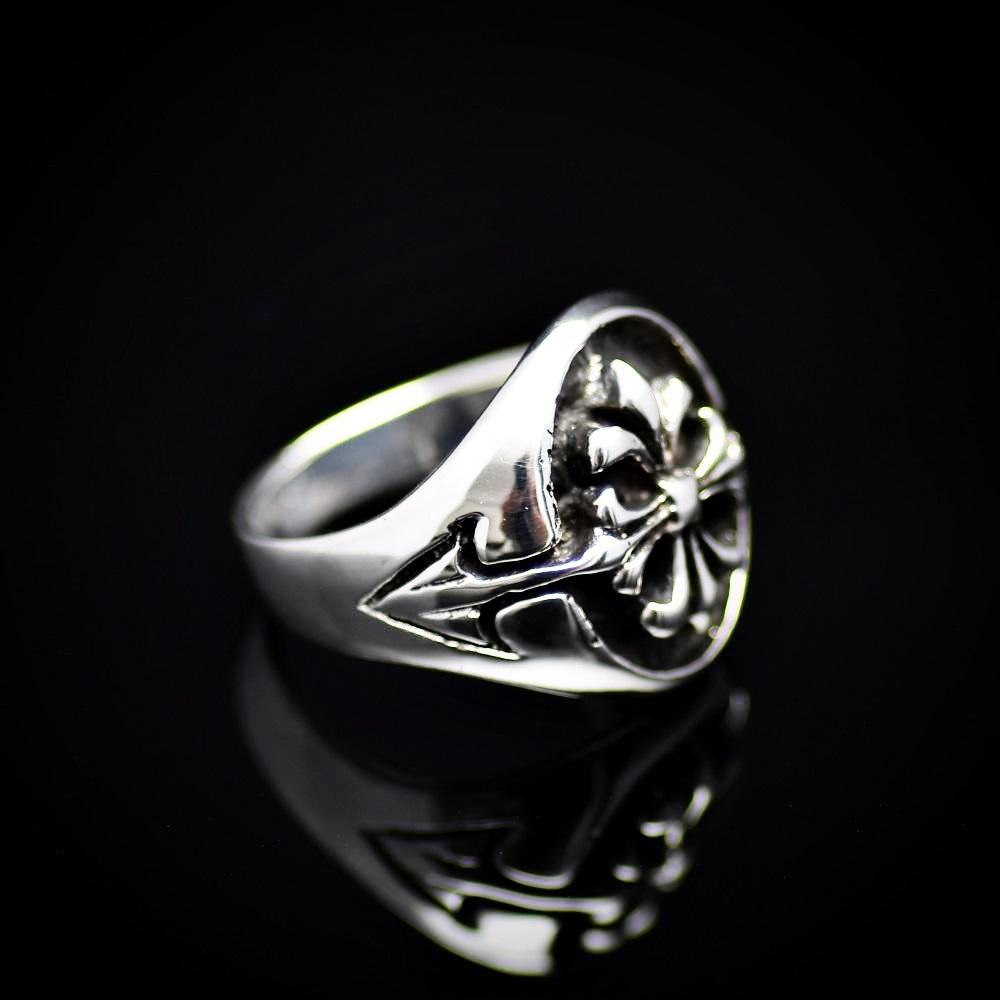 Fleur De Lis Patterned 925 Sterling Silver Ring Left