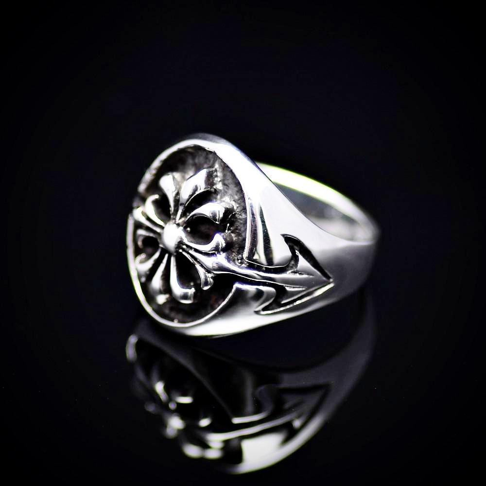 Fleur De Lis Patterned 925 Sterling Silver Ring Right