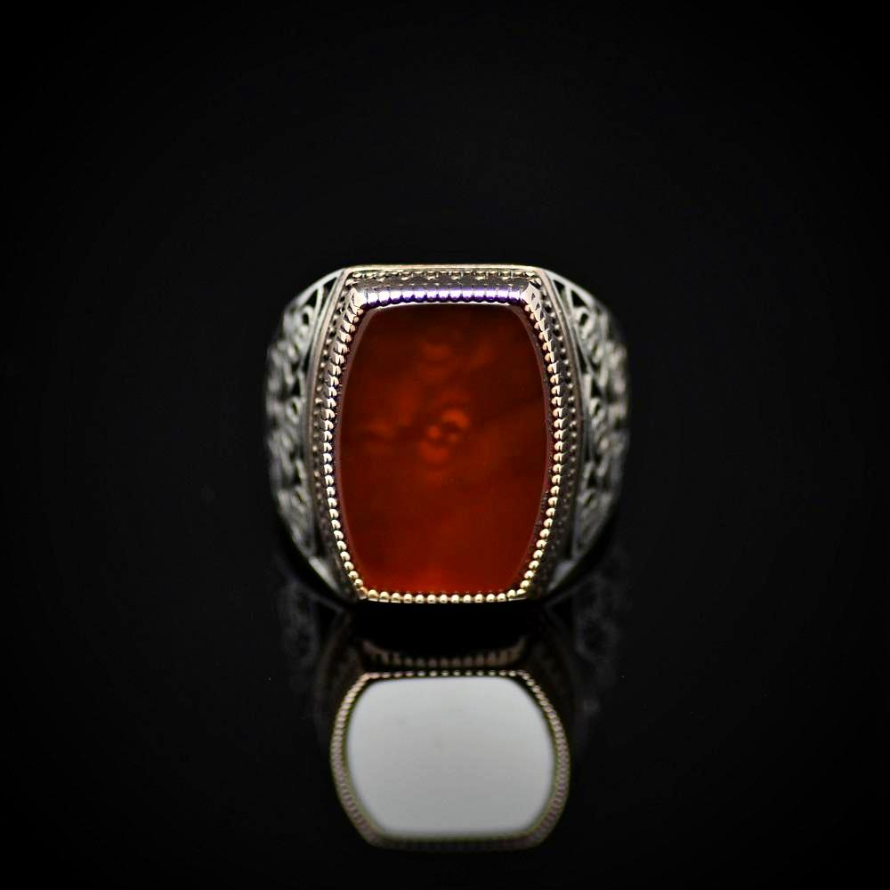 Glamorous 925 Sterling Silver Ring Embellished With Red Agate Stone Front