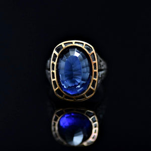 Remarkable Silver Ring Adorned With Blue Zircon Stone Front