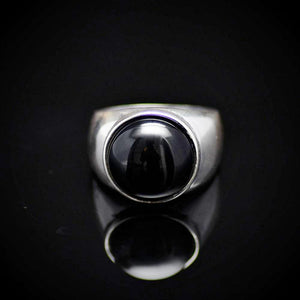 Simple And Beautiful Rhodium Plated Silver Ring With Black Agate Stone Front
