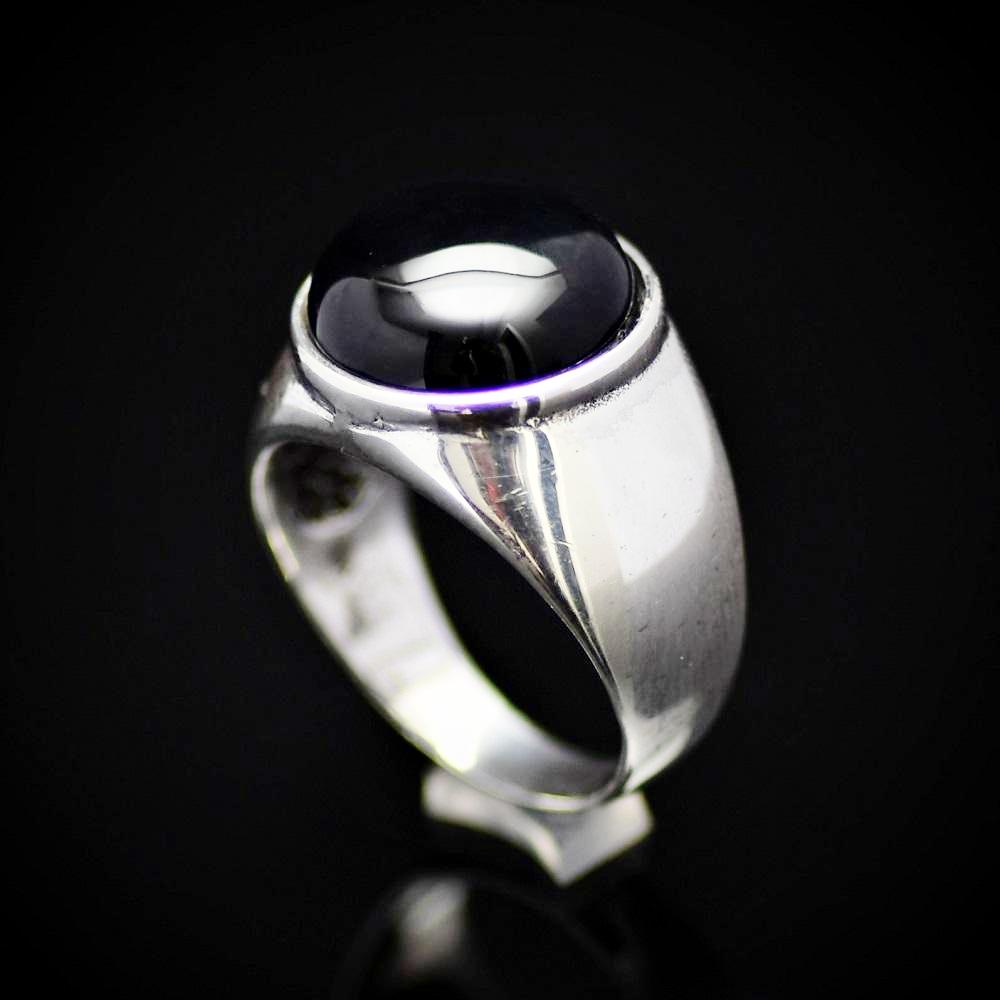 Simple And Beautiful Rhodium Plated Silver Ring With Black Agate Stone