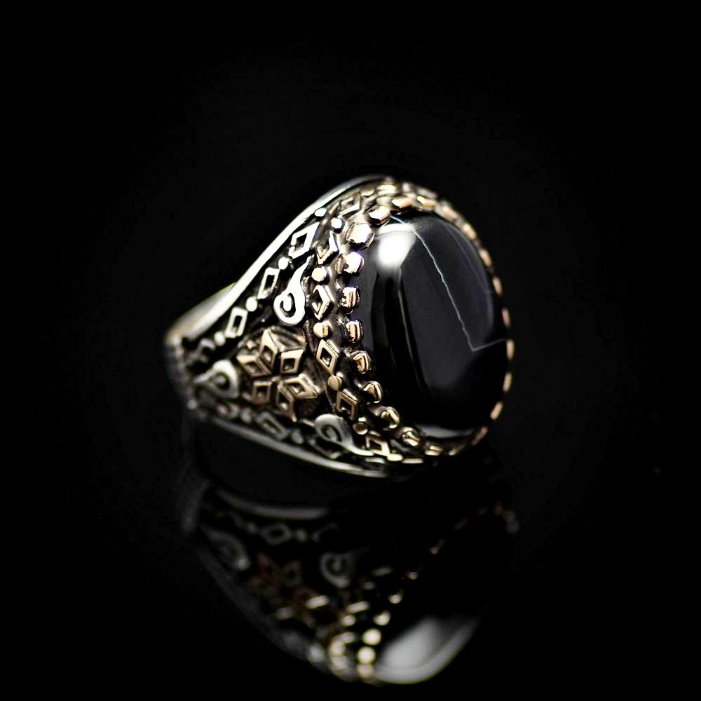 Six Fold Star Patterned Silver Ring Adorned With Agate Stone Left