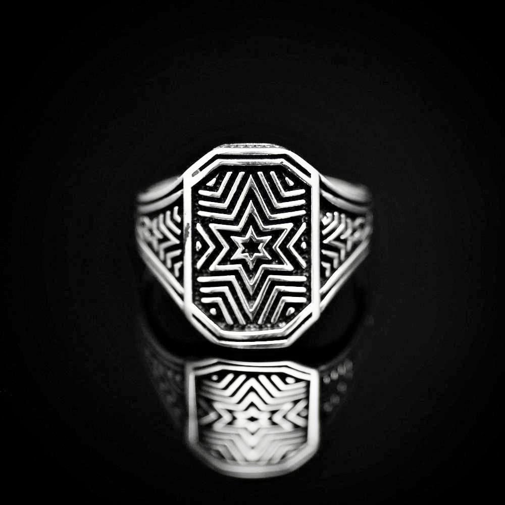 Six Point Star Engraved Silver Ring Front
