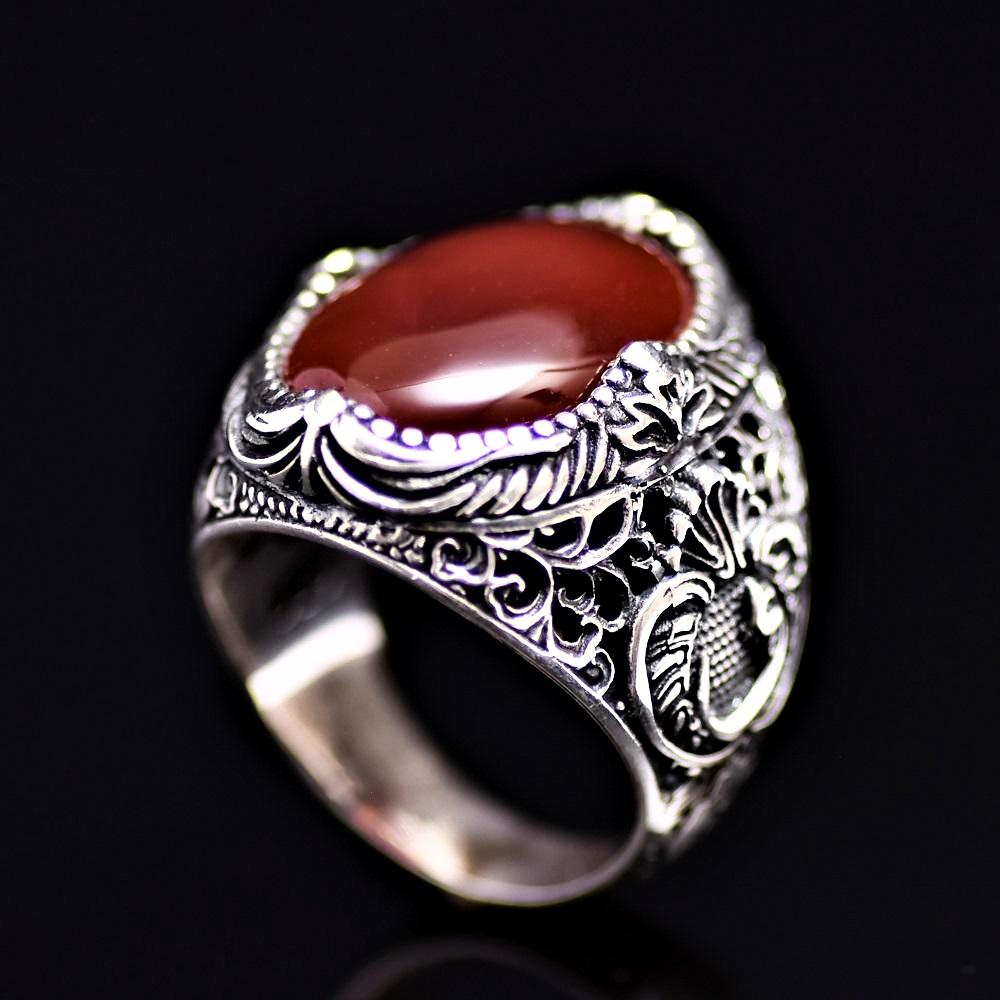 Spectacular Silver Ring Adorned With Waw Letter And Agate Stone