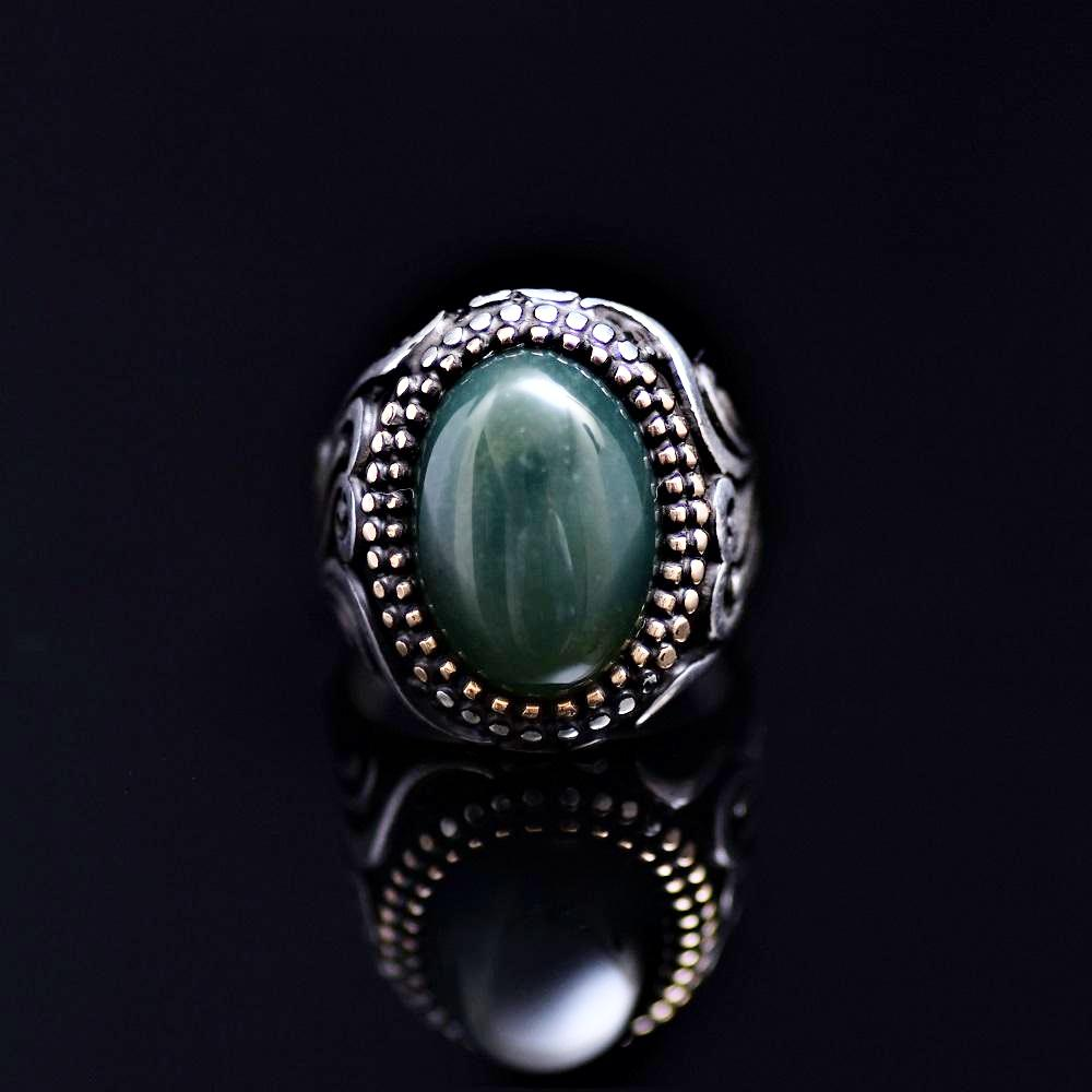 Standout Silver Ring Adorned With Green Agate Stone Front