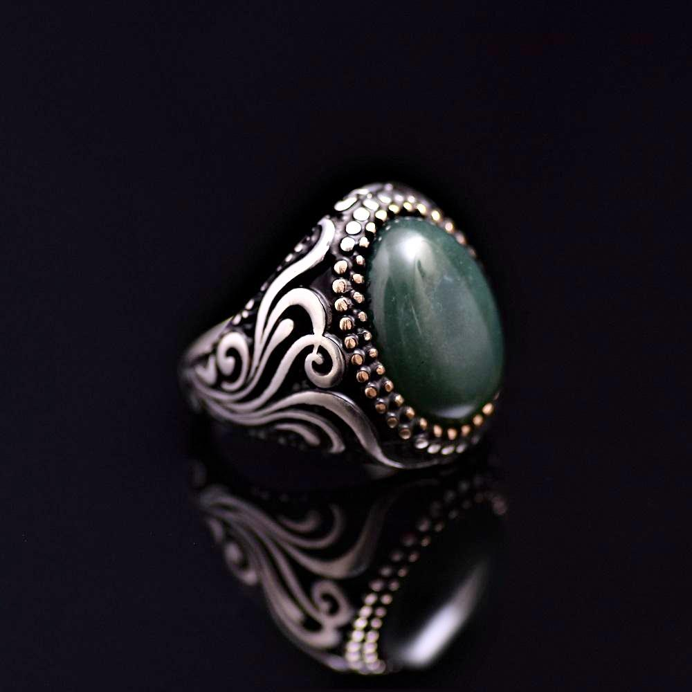 Standout Silver Ring Adorned With Green Agate Stone Left