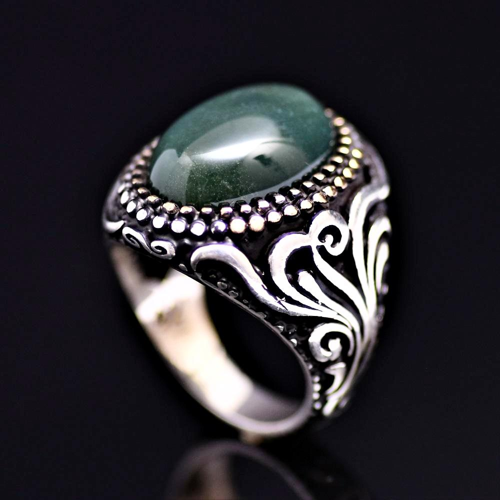 Standout Silver Ring Adorned With Green Agate Stone