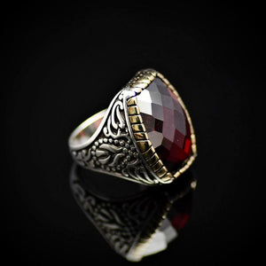 Striking 925 Sterling Silver Ring Embellished With Garnet Stone Left