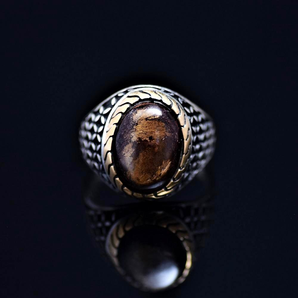 Stunning 925 Sterling Silver Ring Adorned With Bronzite Stone Front