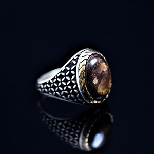 Stunning 925 Sterling Silver Ring Adorned With Bronzite Stone Left