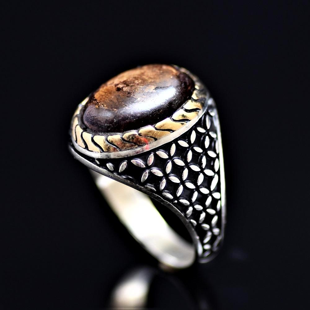 Stunning 925 Sterling Silver Ring Adorned With Bronzite Stone