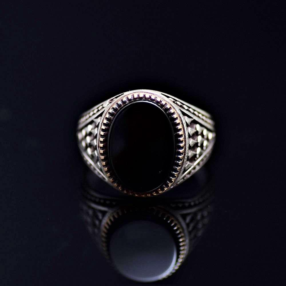 Timeless Turkish Design Silver Ring Adorned With Black Onyx Stone Front
