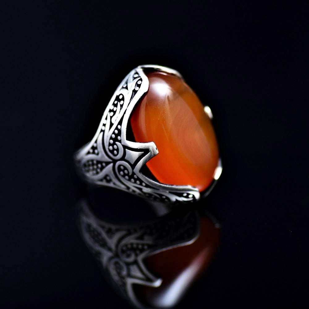 Tribal Motifs Engraved Silver Ring Adorned With A Big Agate Stone Left