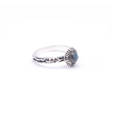 MATRIX HALO BEZEL RING | SILVER & LABRADORITE - AngelaMonacojewelry