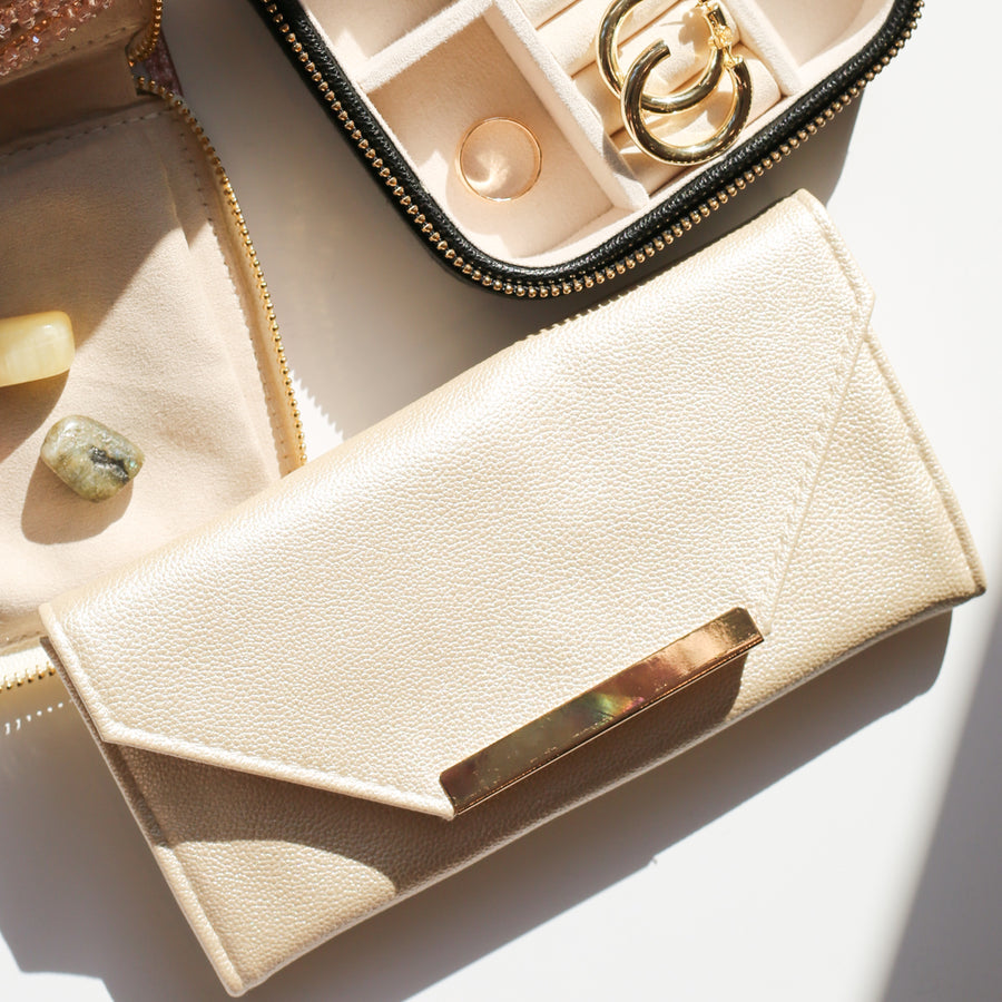 ENVELOPE TRAVEL JEWELRY CASE | CHAMPAGNE & GOLD