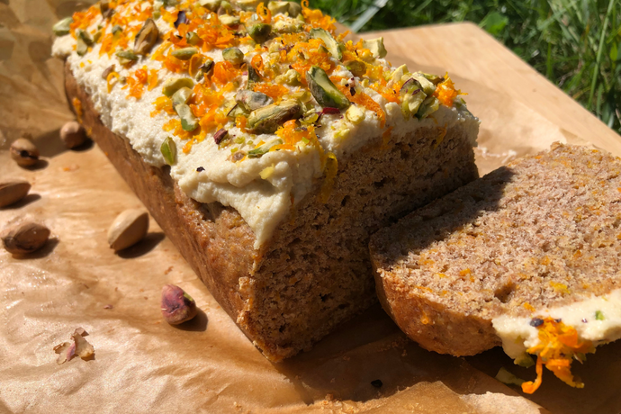 THE TRAVELLING VEGAN: Super Yummy Vegan Carrot Cake